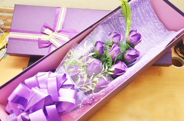 Hồng sáp thơm làm quà tặng độc hại cỡ nào?