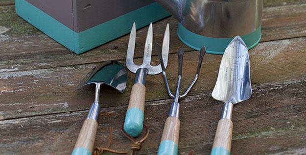 dụng cụ không thể thiếu khi làm vườn